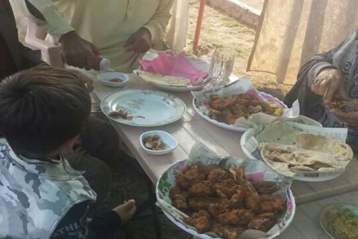 image courtesy of Approachable Families: A Muslim family breaking their fast